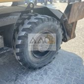 picture of a wheel heavy construction machinery